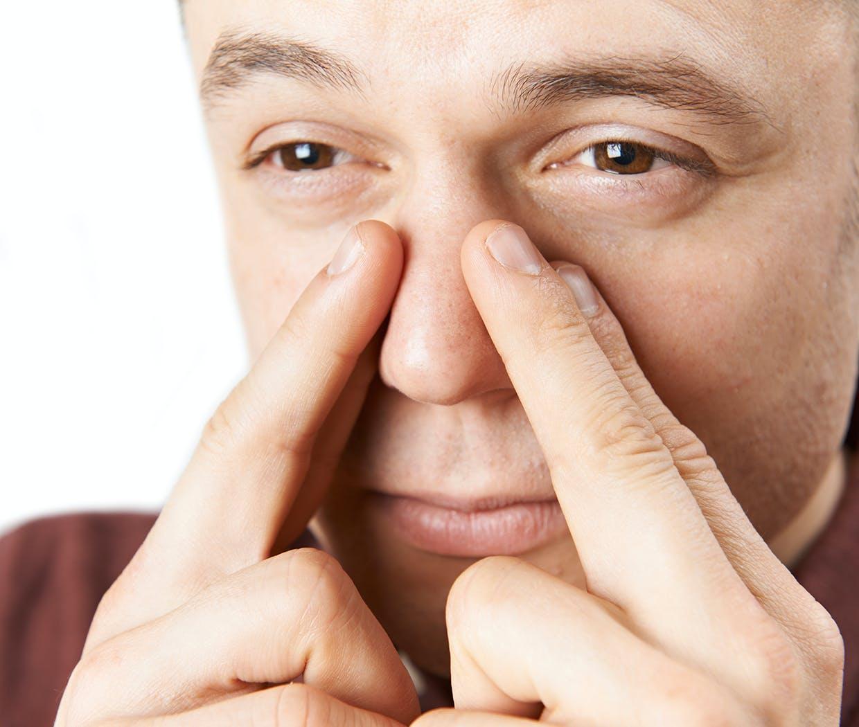 Mand har tilstoppet næse