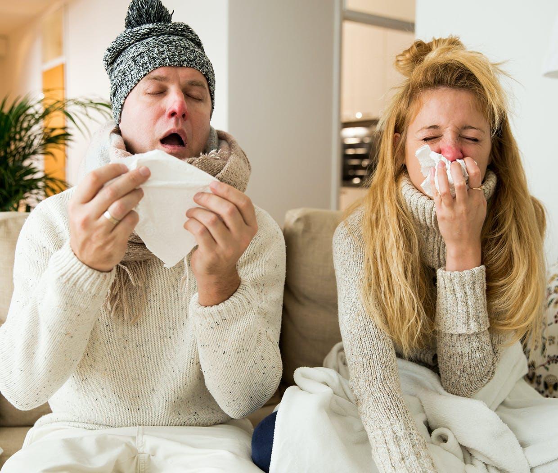 Mand og Kvinde har smittet hinanden med forkølelse
