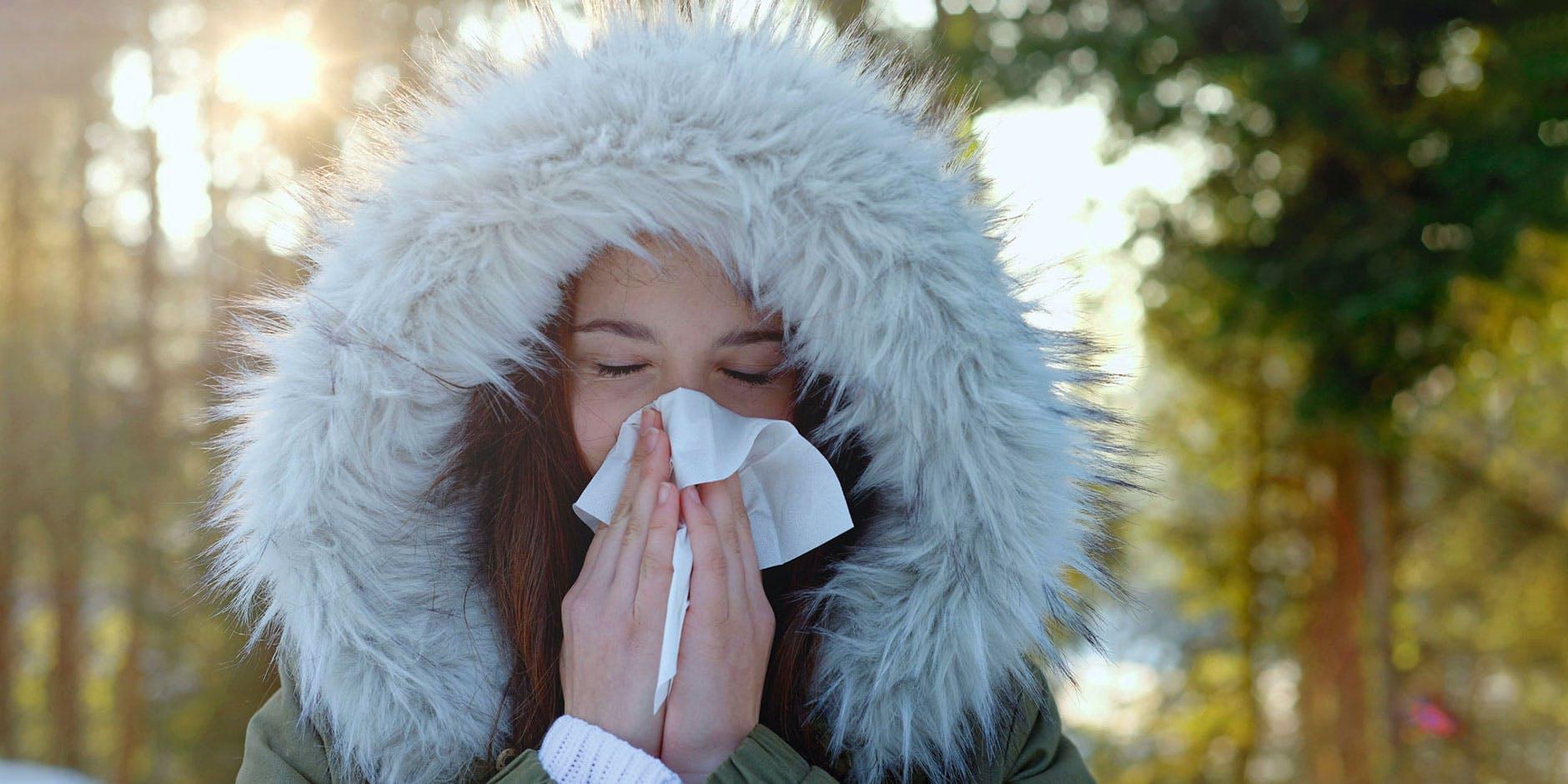 Kvinde kan ikke trække vejret gennem næsen