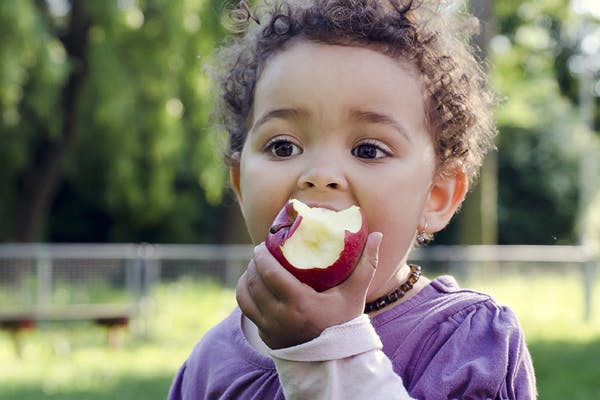 Healthy Snacks For Kids to Eat This Season