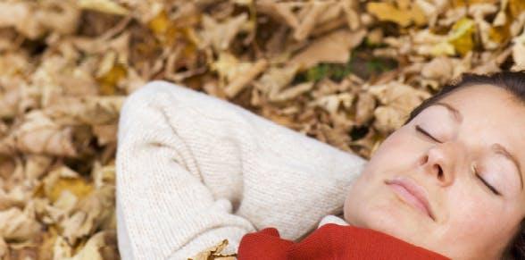Four ways to minimize seasonal impact on your sleep | Advil PM