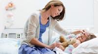 Cómo ayudar a que su hijo enfermo se sienta mejor