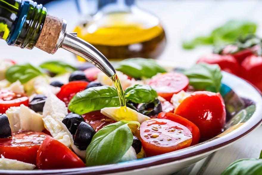eat-salad-the-healthy-way