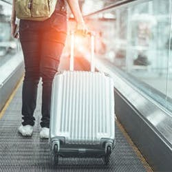 HOW TO STAY HEALTHY DURING HOLIDAY TRAVEL SEASON