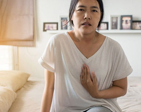 Occasional Heartburn? Stop Doing This 1 Thing Before Bed