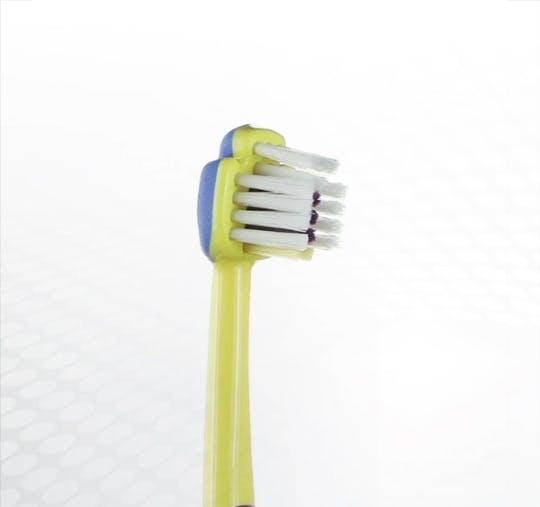 Detailansicht des Bürstenkopfes der Dr.BEST Erste Zähne Zahnbürste für Kinder von 0 bis 2 Jahren