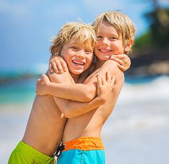 Jesteśmy narażeni na działanie promieni UV nie tylko podczas słonecznych dni.