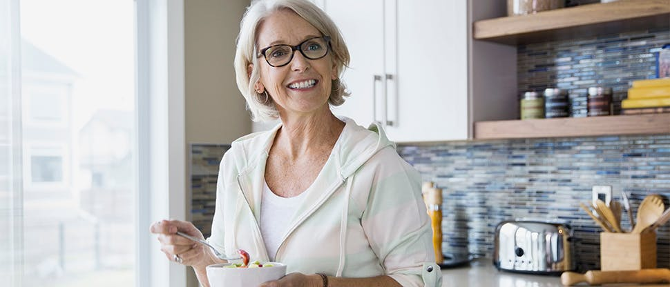 Senhora na cozinha