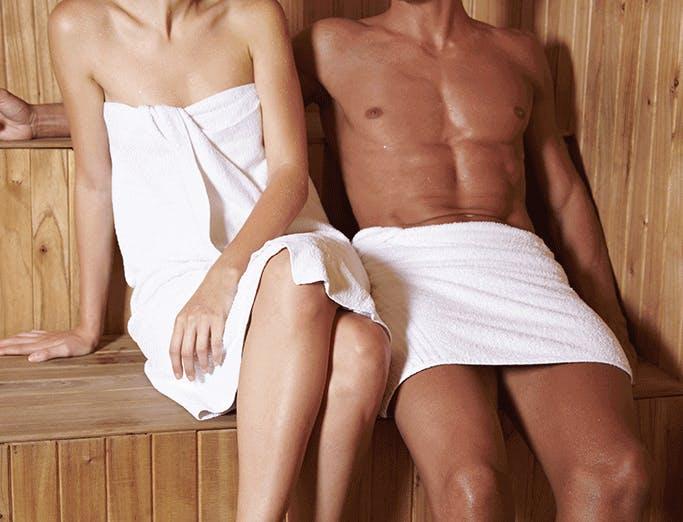 Paar in Sauna