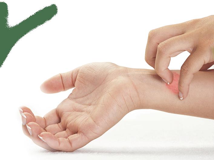 Unterarm kratzende Hand