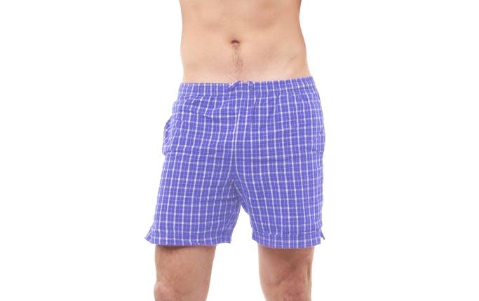 보라색 반바지를 입고 있는 남자 - 라미실