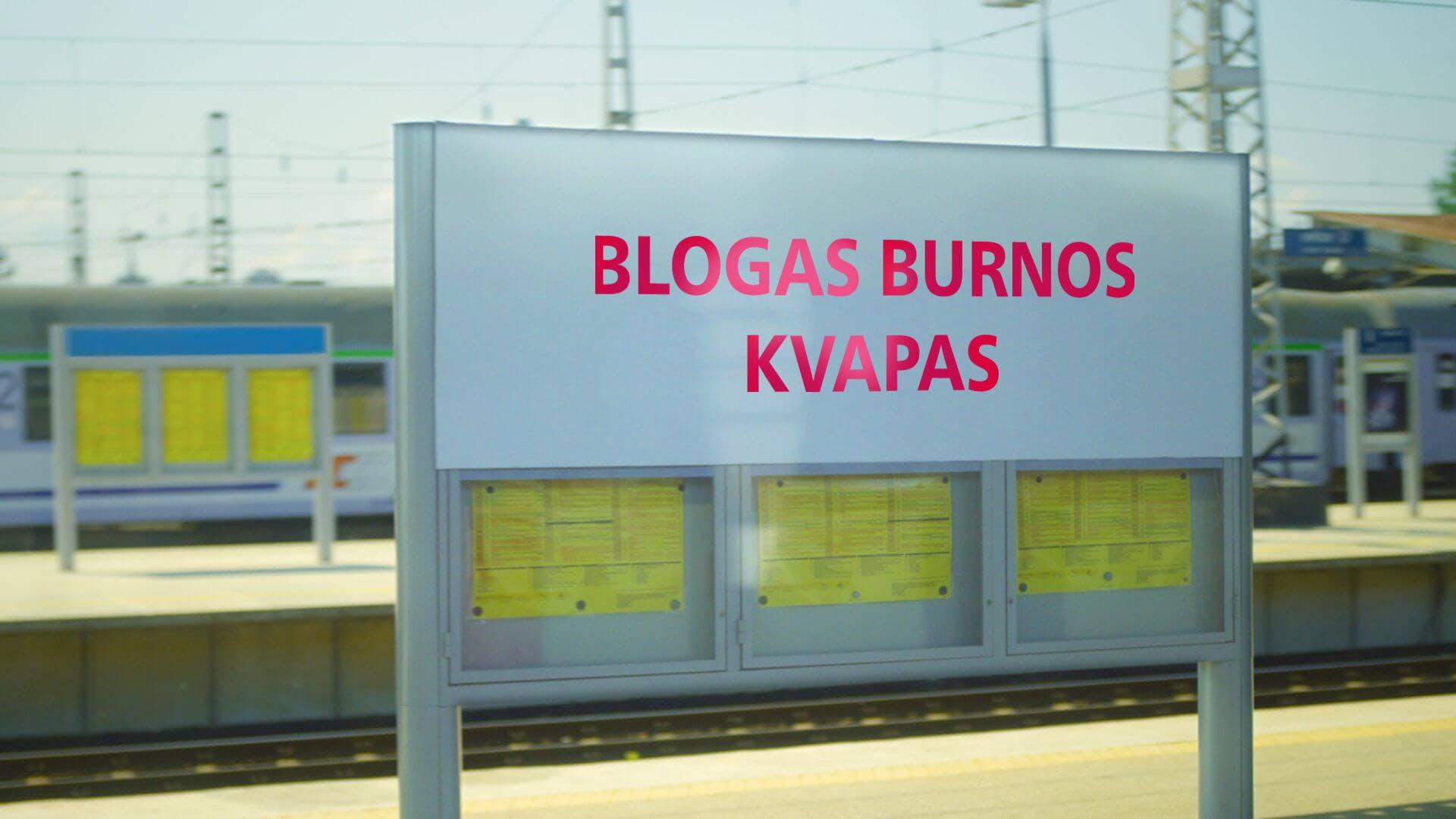 """Ženklas traukinių stotyje su užrašu """"Blogas burnos kvapas"""""""