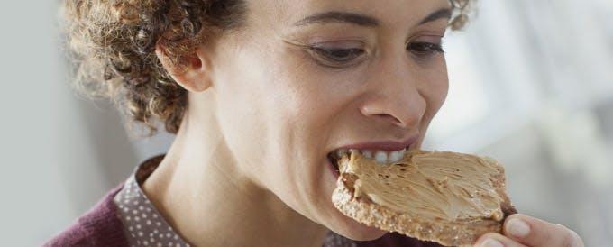Viver com prótese dentária imagem do cabeçalho