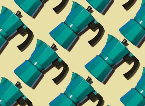 Motif répétitif de cafetières italiennes turquoise