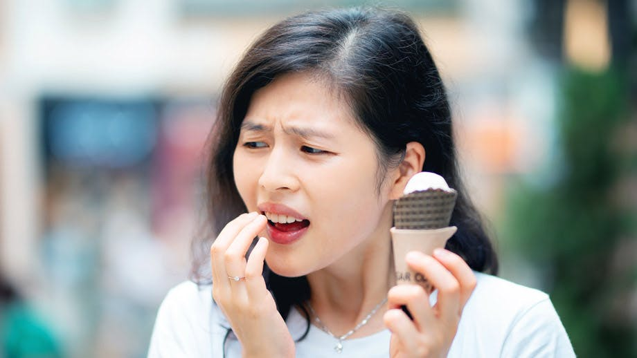 Do Your Teeth Hurt When It's Cold Outside? You're Not Hallucinating