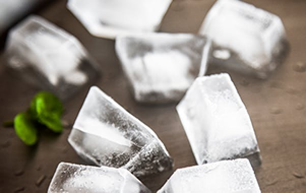 Drinks with ice cubes can trigger tooth sensitivity
