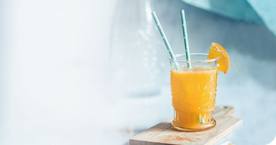 Information stating that its better for teeth to drink acidic beverages through a straw