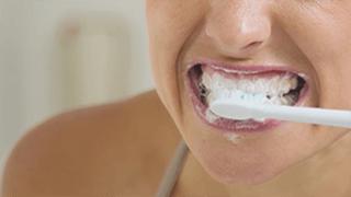 Ošetrenie citlivých zubov