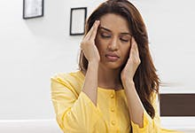 Taking analgesics at the first sign of migraine